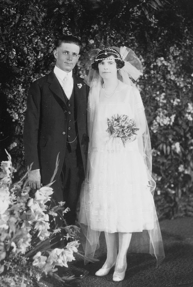 "Elsie Mildred Moore marrying William ""Bill"" Patterson"